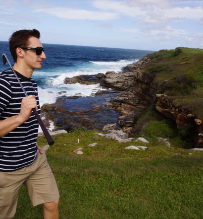 Allar Austraalias golfi mängimas