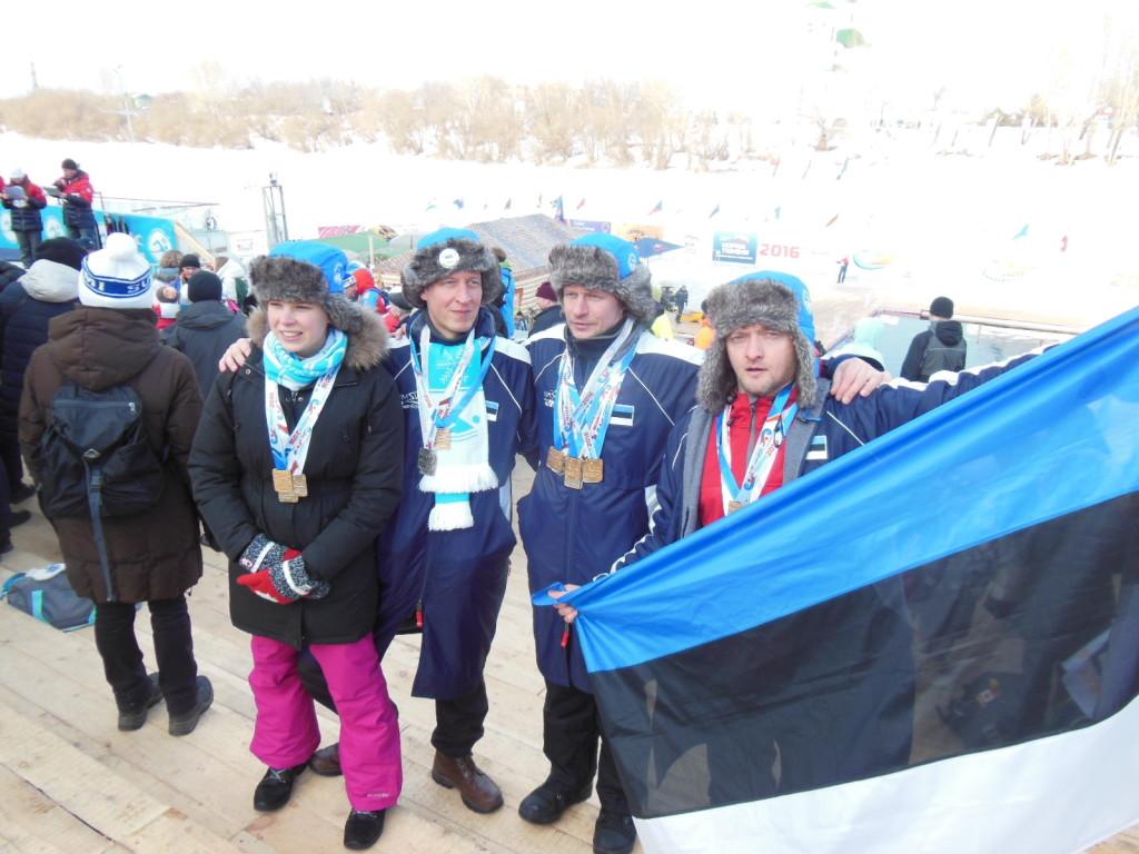 2016. aasta MM Tjumenis sai Eesti kokku 54 medalit. Henri Kaarma (paremal) võitis ühe kulla, kolm hõbedat ja neli pronksi.