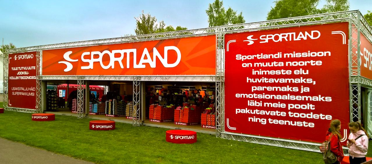 433aefa450d Sportlandi pop-up telk Maijooksul Tallinna lauluväljakul Foto: Jake Farra