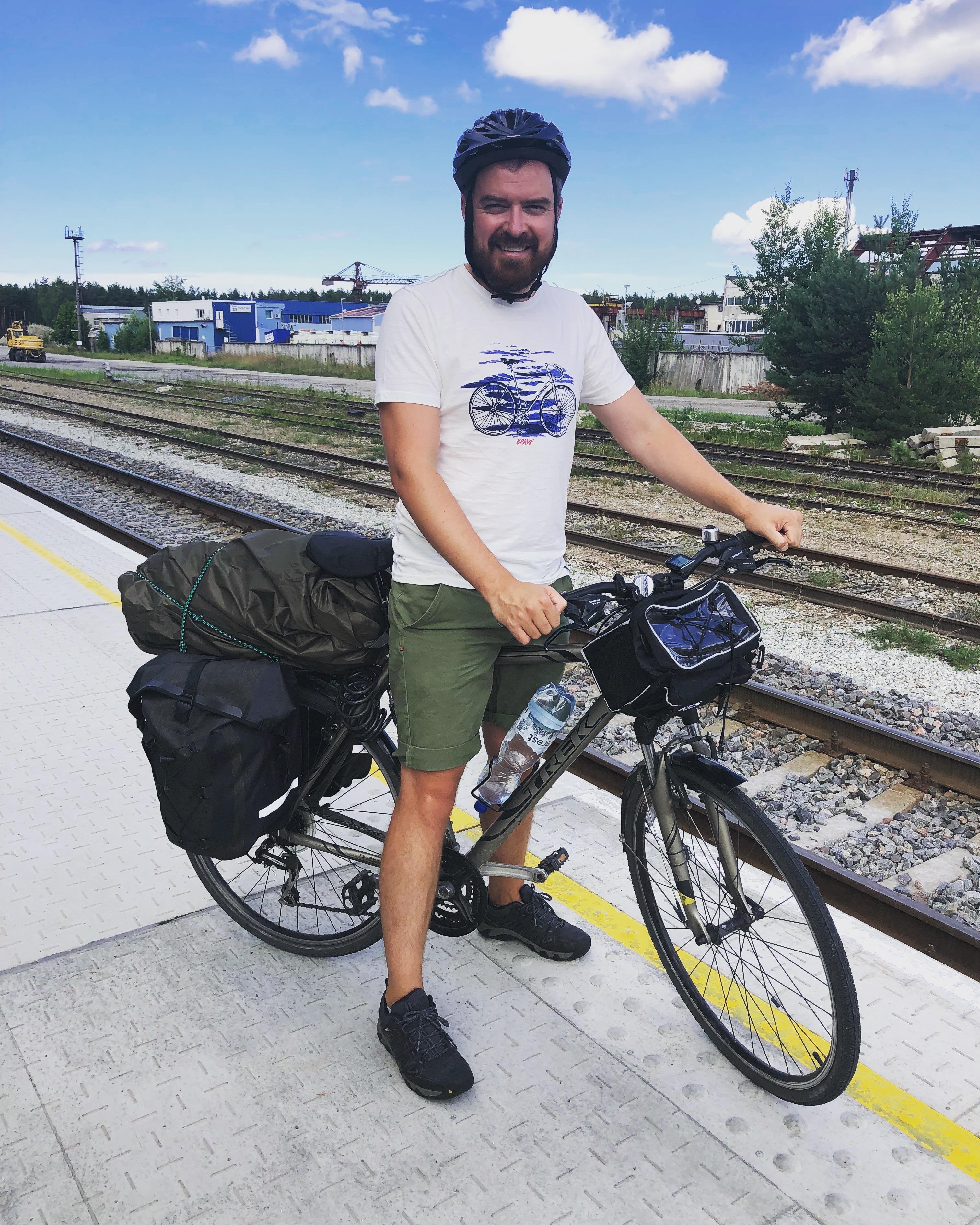 Start igasuvisele rattamatkale rongijaamas