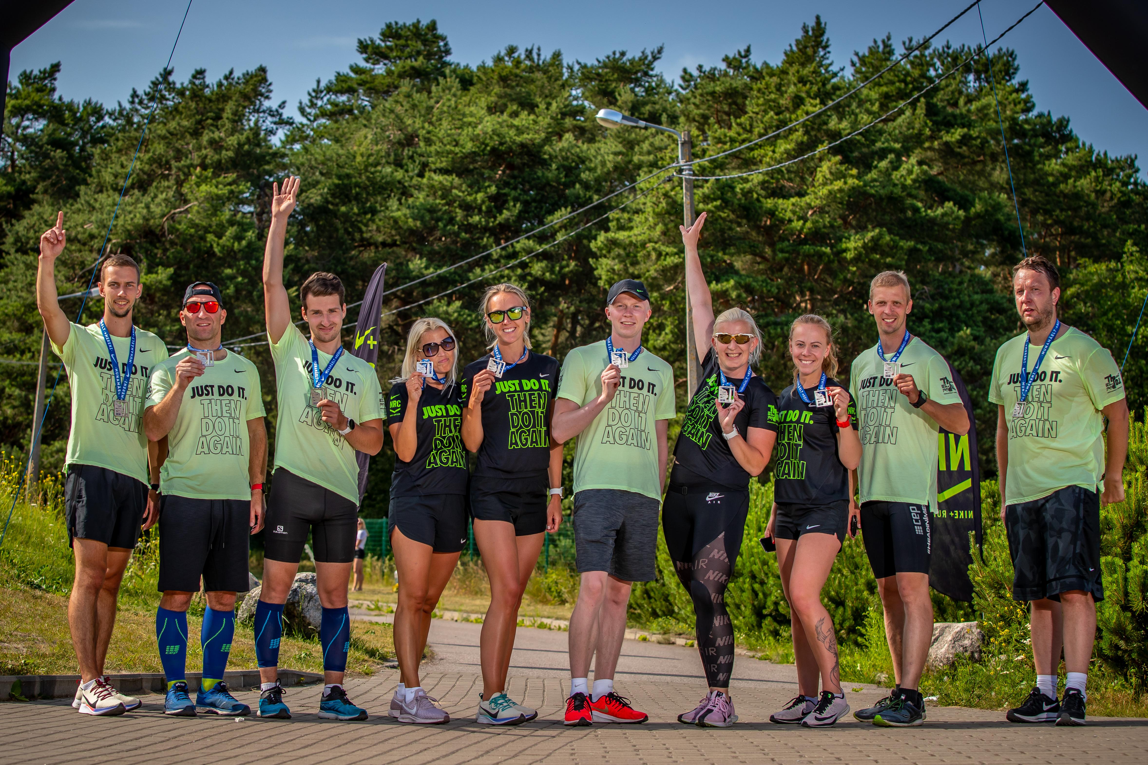 Sportland Team Tipust Topini üritusel, Helena paremalt kolmas