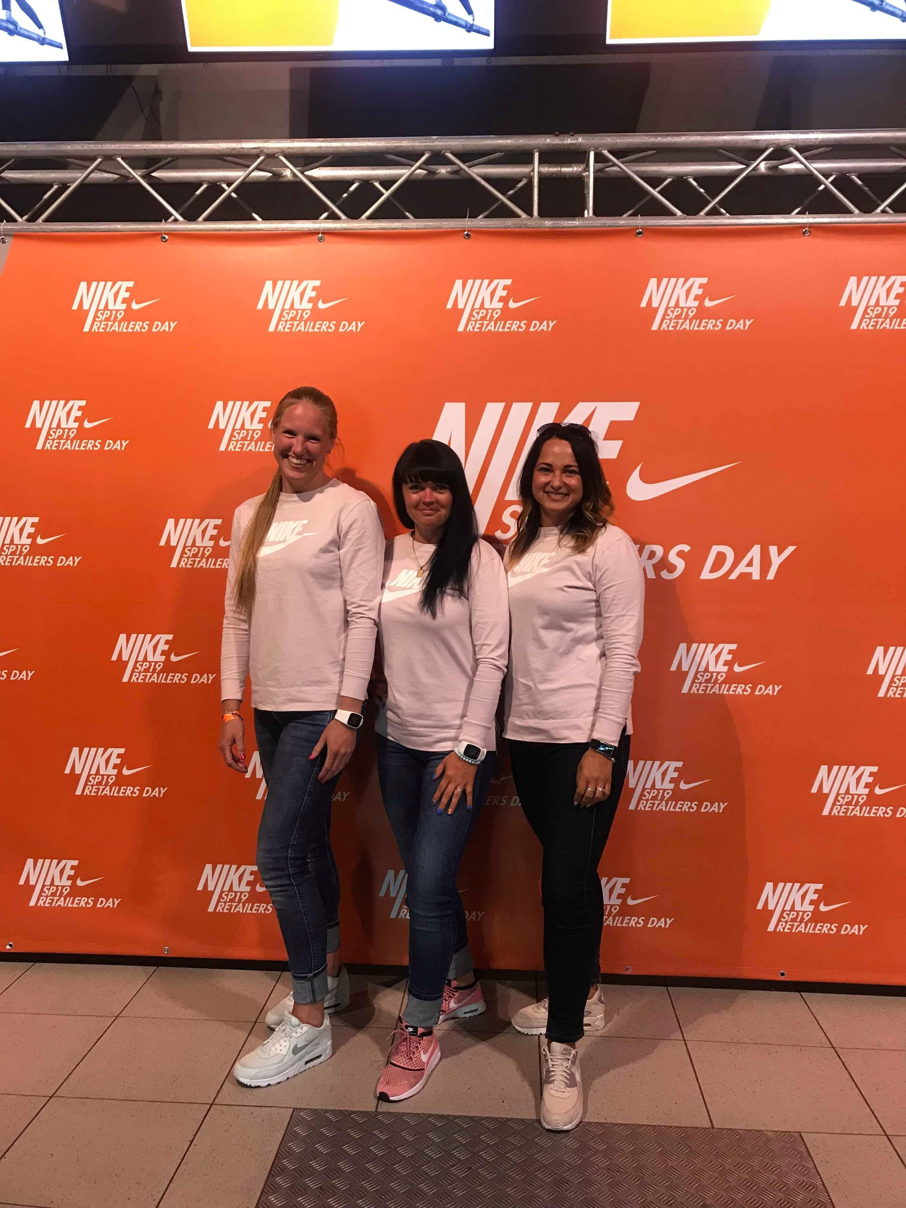 Krista (vasakul) koos kolleegidega. Foto: Nike