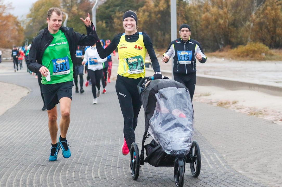 Krista käruga jooksurajal. Foto: Viktor Tund/Sportfoto